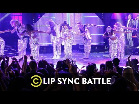 Lip Sync Battle - Zoe Saldaña