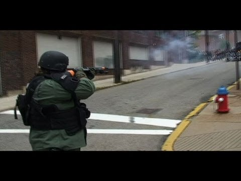 LRAD (Long Range Acoustic Device) - Combat Footage of Pittsburgh G-20 Protests