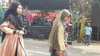 Dayat pujasera barabai in desa kalahiyang balangan city baca