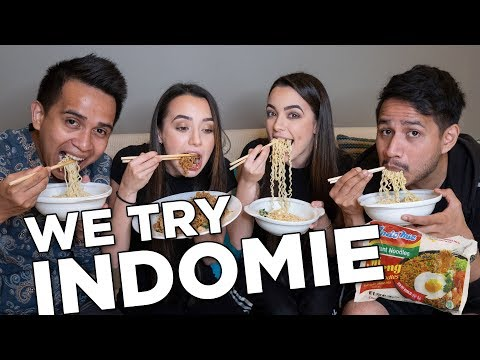We Try Indomie with SkinnyIndonesian24! - Merrell Twins
