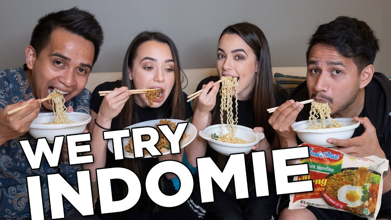 we-try-indomie-with-skinnyindonesian24-merrell-twins