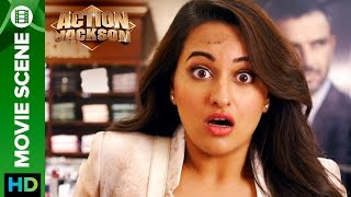 Sonakshi Sinha see's the unwanted | Action Jackson