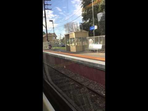 Metro Trains: Melbourne Central to Eltham
