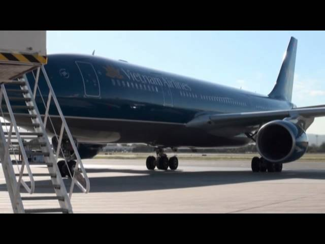 5DME - Vietnam Airlines A330 Adelaide Visit