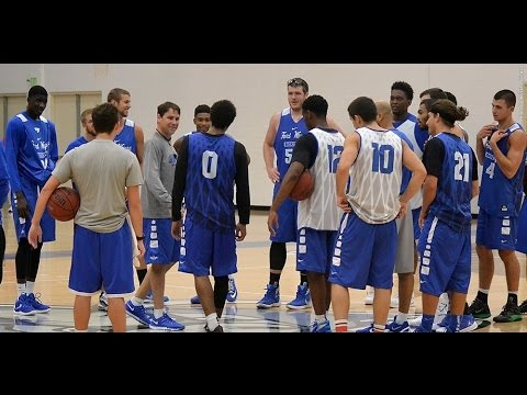 IPFW Men's Basketball Opens 2015-16 with First Practice