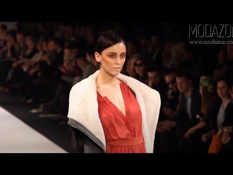 Istanbul Fashion Week Şubat 2011 - Nejla Güvenç Defilesi