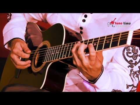 Rooth na Jaana on Guitar