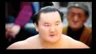 白鵬、優勝インタビューで   涙   。込み上げるものとは!! thumbnail