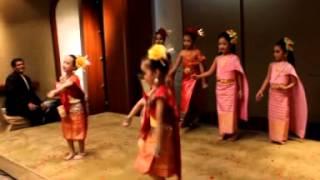 รำสี่ภาคเด็ก - บ้านรำไทย ดอนเมือง