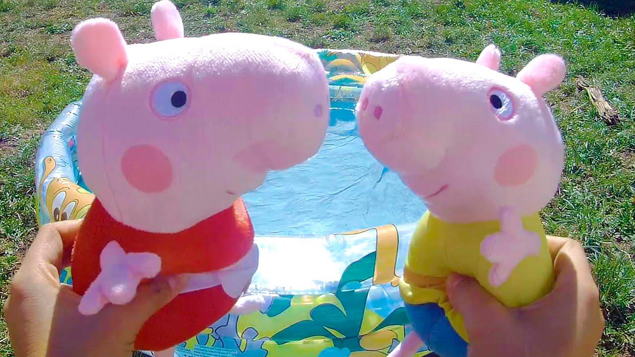 Peppa pig ba o en la piscina con george v deos de for Peppa pig en la piscina