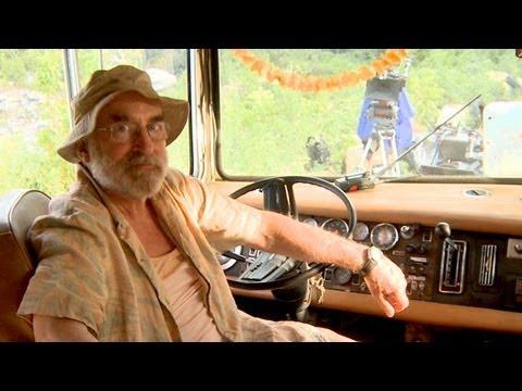 Inside Dale's RV with Jeffery DeMunn: Inside The Walking Dead