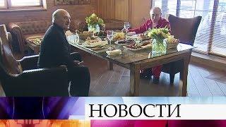 В Сочи Владимир Путин и Александр Лукашенко говорят о двустороннем сотрудничестве и торговле.