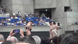 2019年8月1日に行われた富山巡業の横綱戦です。気迫と気迫のぶつ...