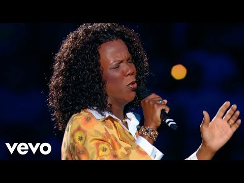 Lynda Randle - He Will Carry You (Live)