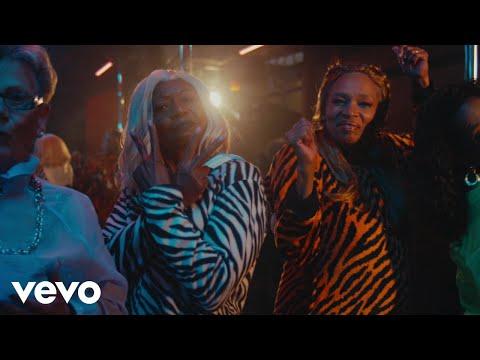 City Girls - Senior City Girls Twerk (Extended Version) ft. Cardi B