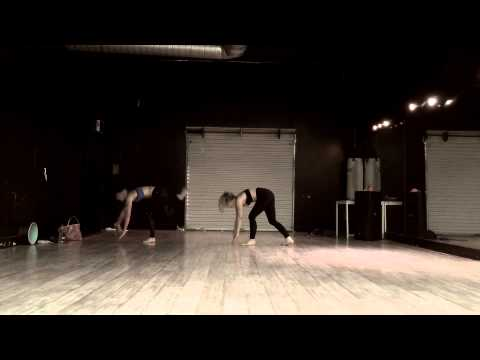 Sexy Yogance w Natalie Dreyfuss