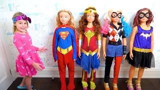 Cinco Crianças brincam com Ovos Surpresa - Five Kids