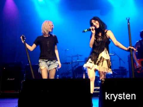 The Veronicas - Revenge Is Sweeter (Than You Ever Were) in Los Angeles, CA