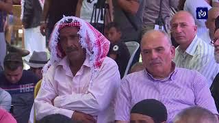 فلسطينيون يصلون الجمعة فوق أراضي الخان الأحمر - (13-7-2018)