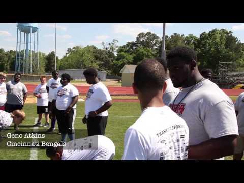Michael Johnson football camp : Selma ProShot (SELMA, AL) : Ben Obomanu , Geno Atkins, Carlos Dunlap