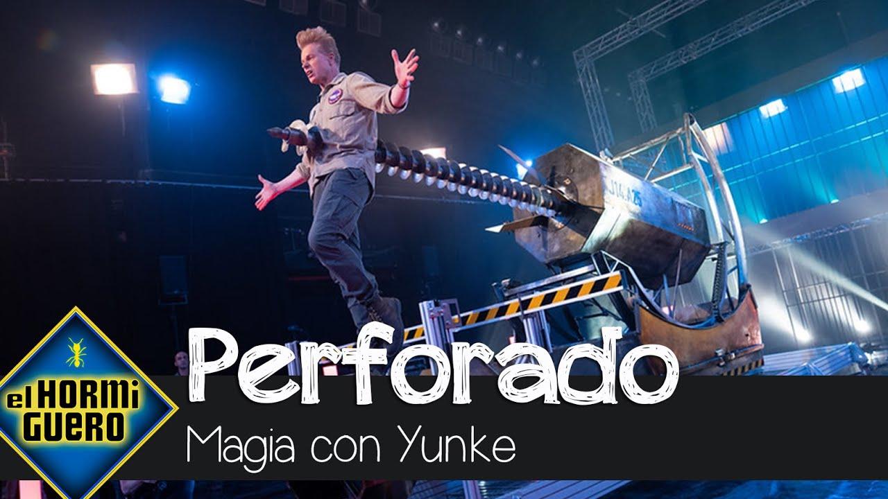 Yunke pone los pelos de punta con una mega máquina que agujerea su cuerpo - El Hormiguero