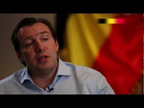 Fifa Futbol Mundial | Wilmots & the Belgian national team (in English)