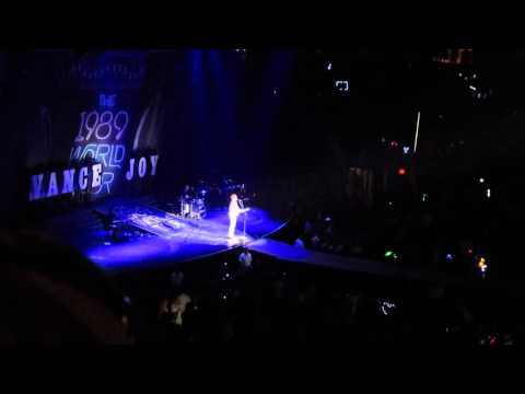 Vance Joy - 1989 World Tour Glendale, AZ - Opening