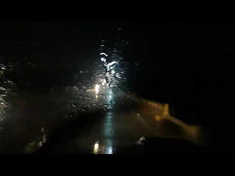 Chove na noite de segunda feira primeiro de abril em Acopiara-Ce