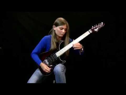 Una talentuosa 16enne esegue Beethoven in versione Metal, INCREDIBILE!!!