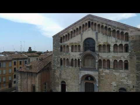 Riprese aeree centro storico di Parma