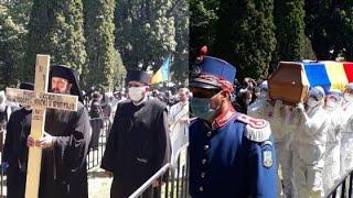 APLAUZE în momentul în care sicriul cu trupul neînsuflețit al IPS Pimen a plecat din Suceava