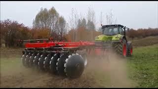 Трактор валит деревья огромными дисками