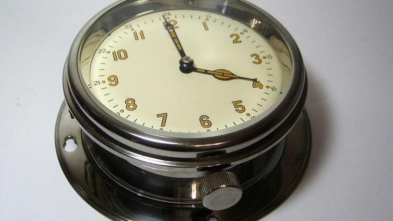 Корабельные часы продать сдам час квартиру на