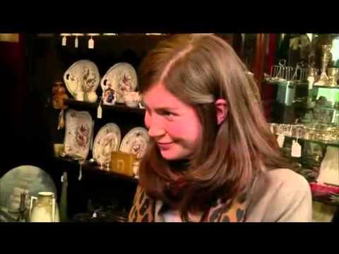 Natasha Raskin of Bargain Hunt on USA's Baggage Battles s01e07