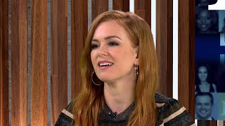 Isla Fisher Reveals She Kept the Green Scarf from 'Confessions of a Shopaholic'