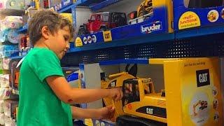 VLOG #2 Шопинг и поход в детский магазин игрушек строительная техника Robocar Poli Shopping(Я с братом Тимуром гуляем в детском магазине игрушек,смотрим на игрушками Робокар Поли,строительная техни..., 2015-07-30T08:45:30.000Z)
