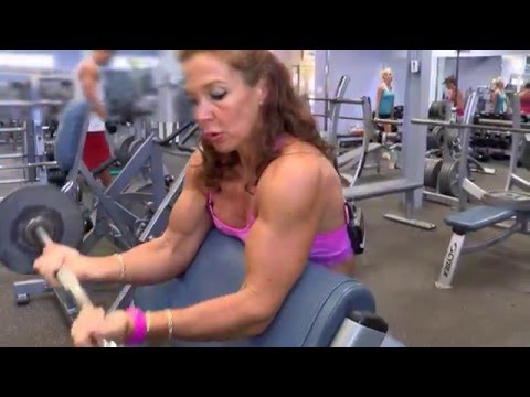 Manuela Nemes ACE Personal Trainer - Biceps Triceps Part 1, World Gym Cayman Islands