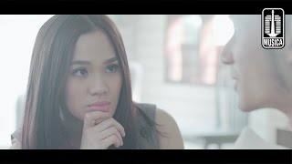Video Sheryl Sheinafia Feat. Ariel NOAH - Kutunggu Kau Putus [Teaser Video Clip] download MP3, 3GP, MP4, WEBM, AVI, FLV November 2018