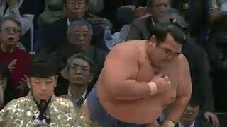 平成25年十一月場所2日目 この取組で琴奨菊は右大胸筋を断裂し九州場...
