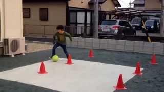 Repeat youtube video スーパージンガ!少年サッカー4年 ドリブル練習 浜松