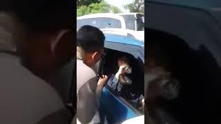 Download Video Wanita ini Acungkan Jari Tengah ke Jokowi MP3 3GP MP4
