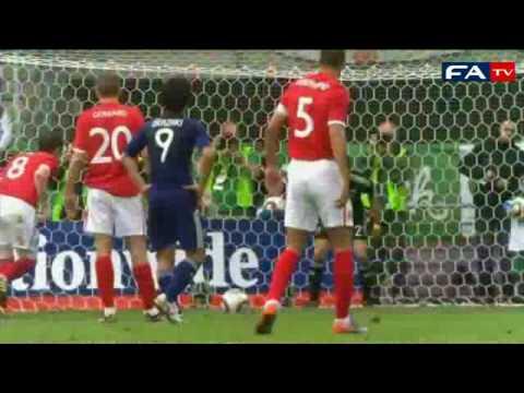 Anh đánh bại Nhật Bản nhờ hai bàn đốt lưới nhà