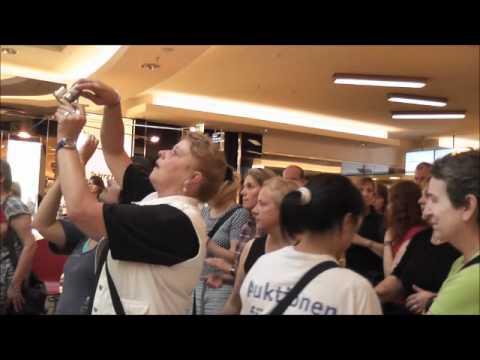 Gospel- Flashmob in der Ernst- August-Galerie, Hannover