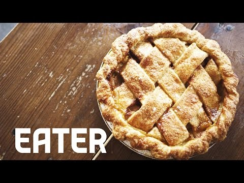 How to Make the Perfect Pie Crust - Savvy Ep. 10