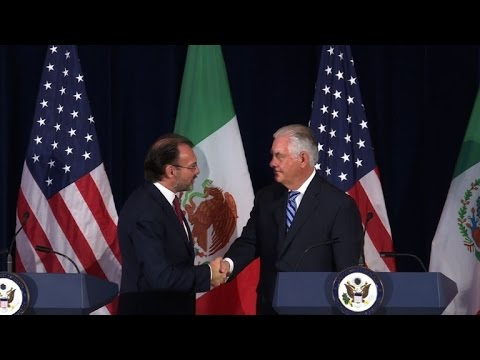 Tillerson, Videgaray meet as NAFTA renegotiation clock begins
