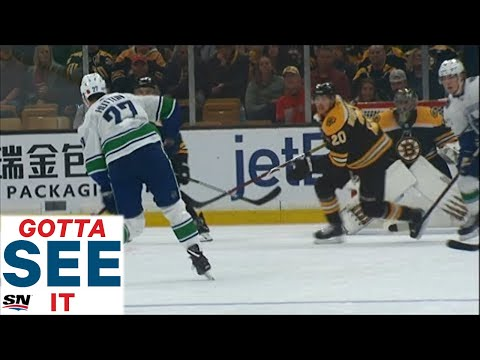 GOTTA SEE IT: Canucks And Bruins Score Eight Goals In Wild Second Period