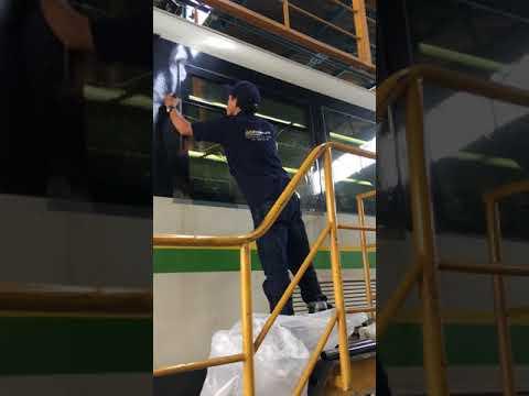 Instalación Vidrios Polarizados Metro De Medellín