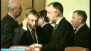 Реакция Януковича на смерть Кушнарева ( смеётся )(, 2012-05-01T19:53:55.000Z)