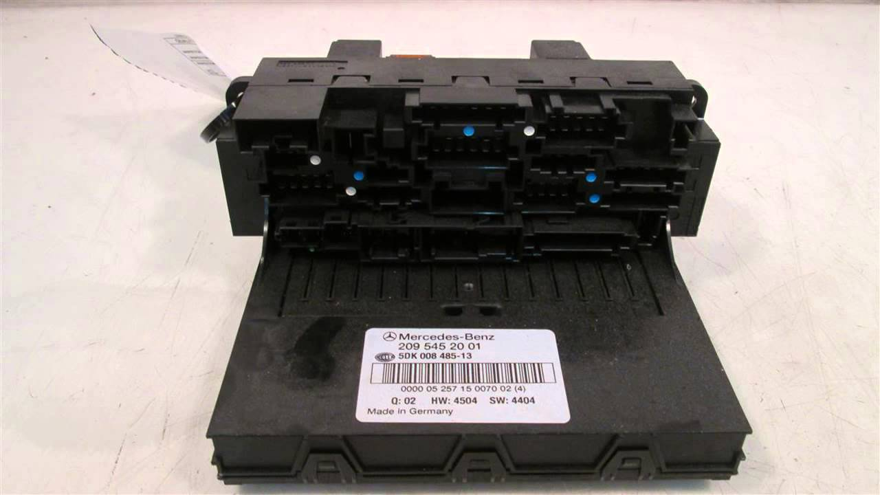 2006 Mercedes C230 Sam relay fuse box 2095452001