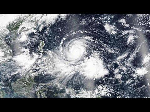 Super tufão Mangkhut enfraquece rumo ao mar do sul da China
